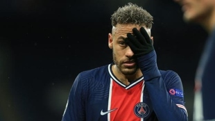 Neymar's special request to PSG before signing new contract