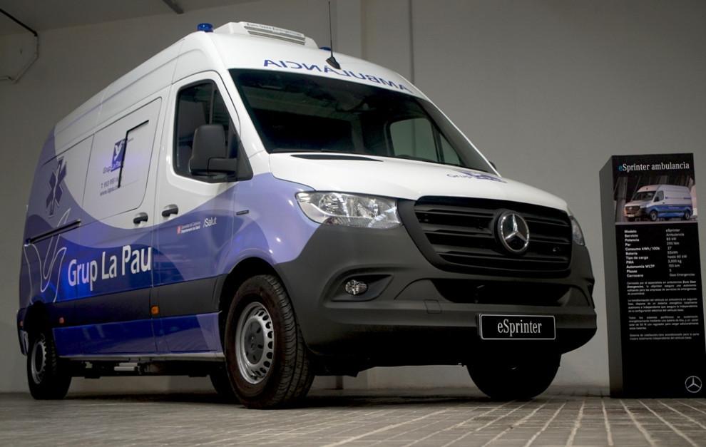La Mercedes-Benz eSprinter ambulancia.