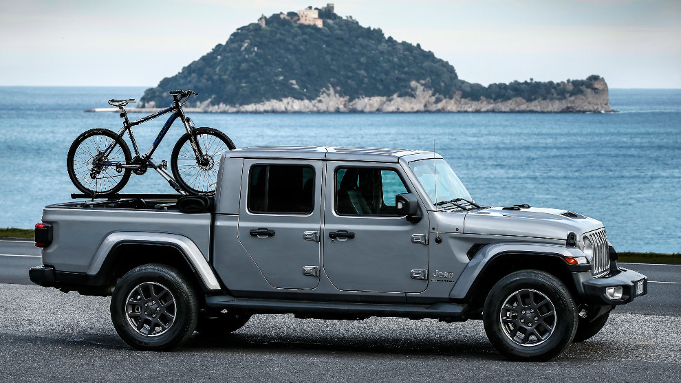 Jeep Gladiator: American conqueror and sophisticated