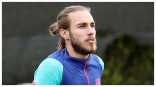Mingueza, en un entrenamiento del Barcelona.