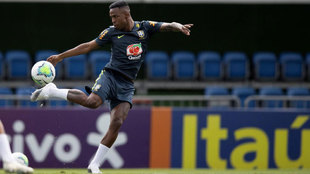 Vinicius in training with Brazil.