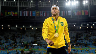 Neymar with his gold medal in Rio 2016.