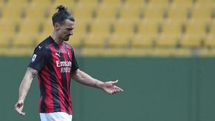 Ibrahimovic in a game for Milan.