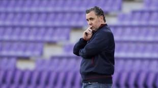Sergio, con gesto serio durante un encuentro del Valladolid.