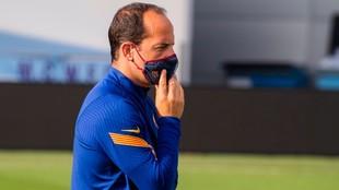 Lluis Cortés dirigiendo un entrenamiento esta temporada.