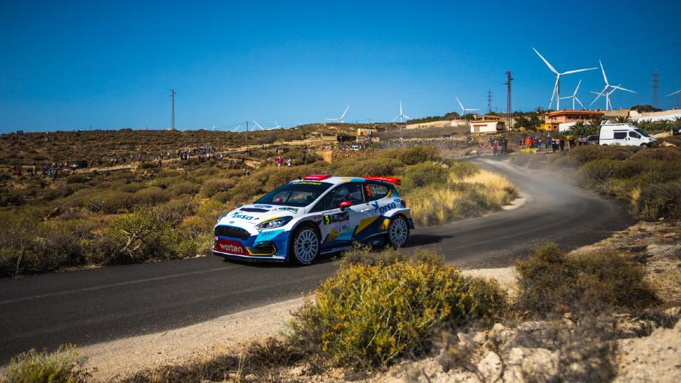 Enrique Cruz, intratable con el Ford del equipo DISA Copi Sport.