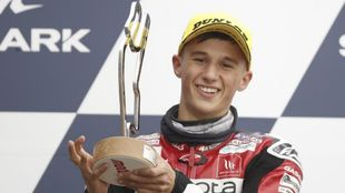 Sergio García, con el trofeo.