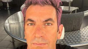 Arturo Valls, con su nuevo 'look', en las redes sociales.