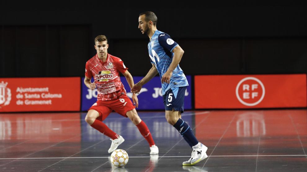 Boyis, con el balón ante Alberto García
