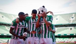 El Panda Borja Iglesias anotó el gol del triunfo.