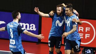 Los jugadores del Movistra Inter celebran uno de sus goles