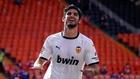 Guedes marca un gol con el Valencia al Eibar en Mestalla.