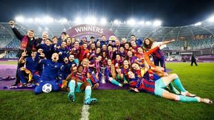 El Barcelona celebrando el título de la Champions en Göteborg.