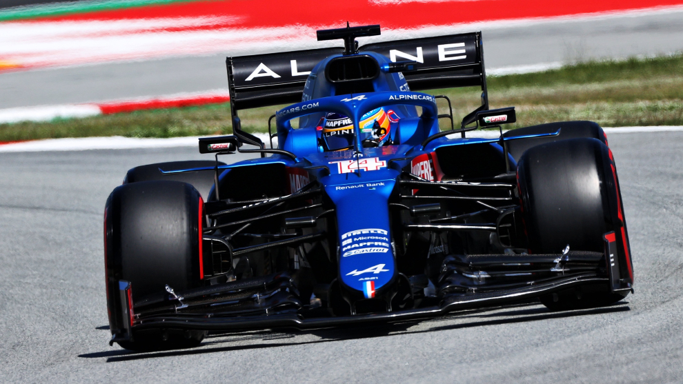 Alonso, at the wheel of the A521.