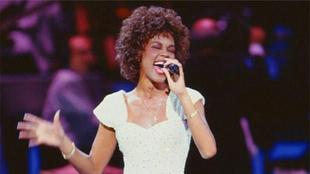 Whitney Houston en los Grammy's 1989   whitneyhouston.com