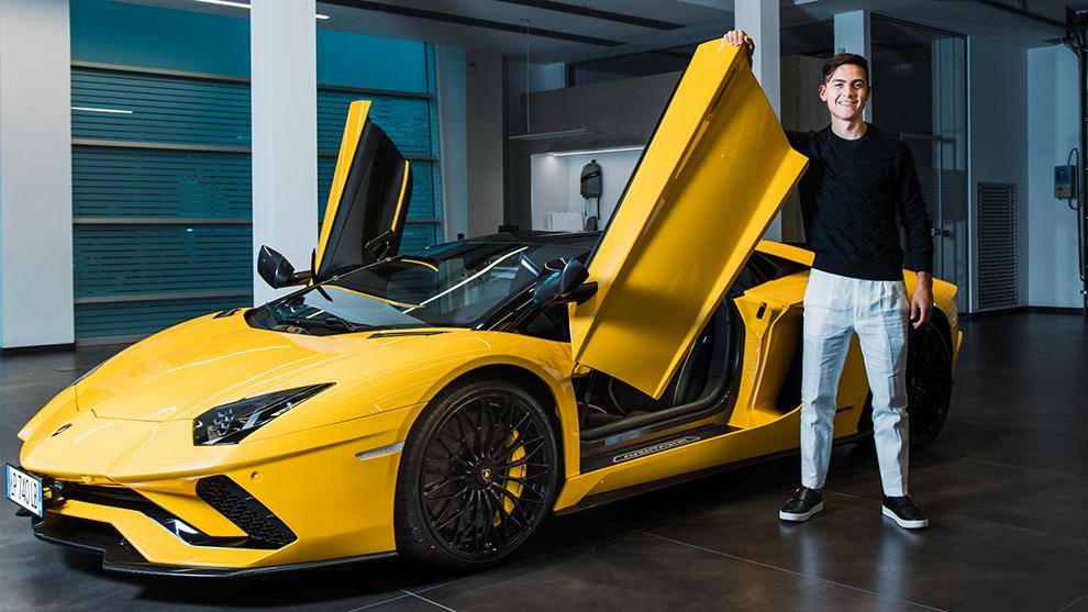 El Lamborghini Aventador S de Paulo Dybala, en imágenes