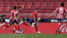Luis Suárez celebra el gol que dio la victoria ante Osasuna.