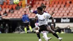 El lateral del Valencia Thierry Correia en un partido en Mestalla.