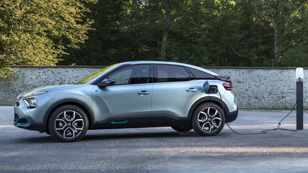 Citroën regala un punto de recarga doméstico de 7,4 kW.