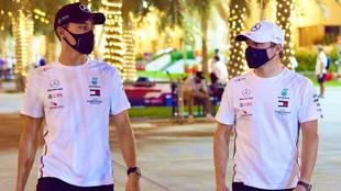 Russell y Bottas, en el GP de Sakhir.