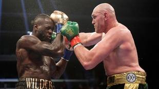 Tyson Fury aceptaría pelear contra Wilder en julio; Joshua enfrentaría a Oleksandr Usyk
