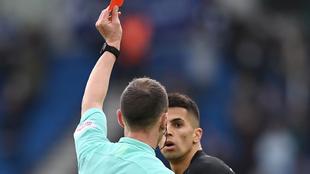 João Cancelo ve la tarjeta roja, deja con diez hombres al City