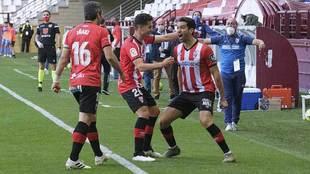 Andy celebra el gol del importante triunfo ante Iñaki Sáenz, autor...