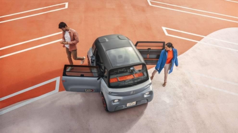 El Citroën Ami destaca por su diseño innovador y por ser un modelo compacto.
