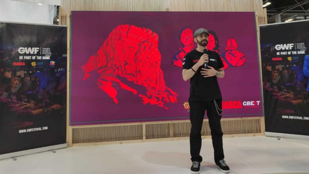 El Tío Barry durante la presentación de GWF en FITUR