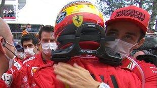 Sainz, felicitado por Leclerc tras acabar segundo en el GP de Mónaco...