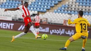Sadiq marca el primer gol del Almería ante la UD Logroñés