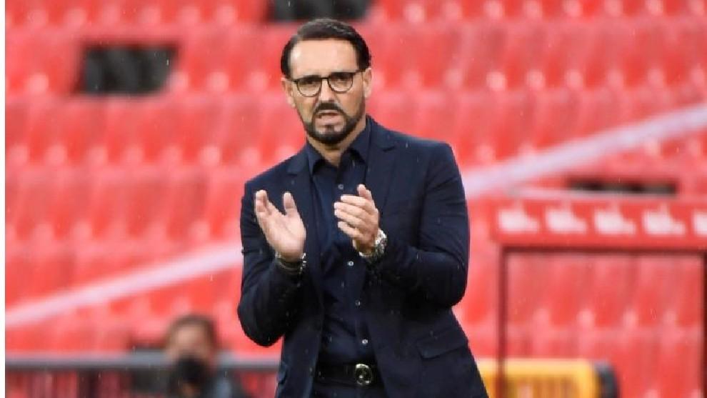 El ya ex técnico del Getafe, en el partido que midió a los madrileños en Los Cármenes ante el Granada