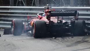 Leclerc, contra la barrera, en la Q3 del GP de Mónaco.