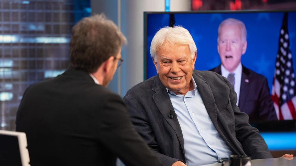 Felipe González, en el momento en el que habla con Pablo Motos de Joe Biden.
