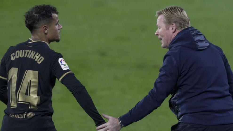 Coutinho y Koeman, en un partido del Barcelona de esta pasada temporada.