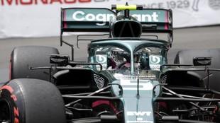 Vettel, con el AMR21, en el Gran Premio de Mónaco.
