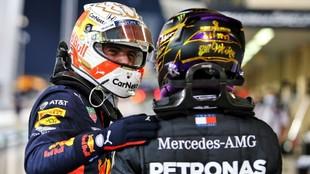 Verstappen y Hamilton, en el pasado Gran Premio de Bahréin.
