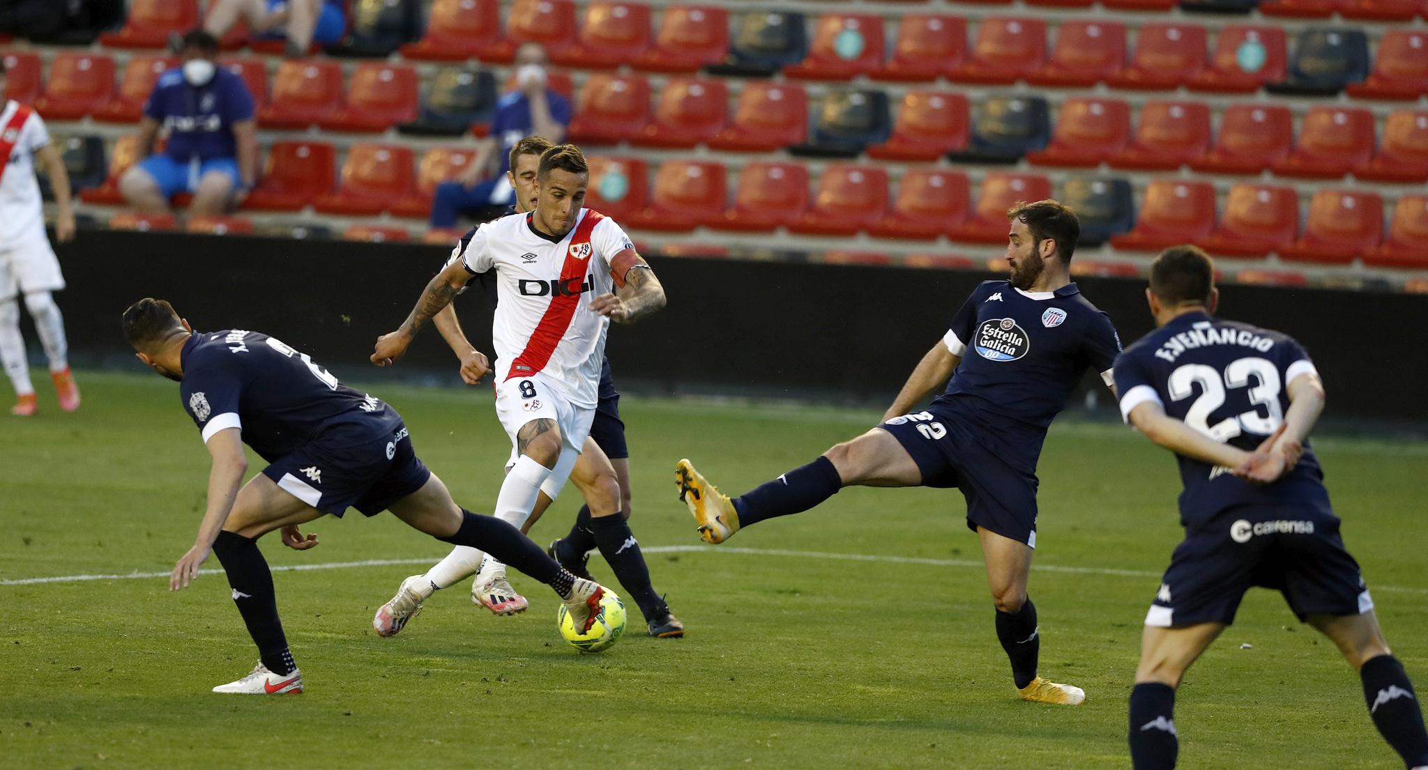 El Rayo entra en el play-off a pesar de la derrota y Logroñés y Sabadell descienden