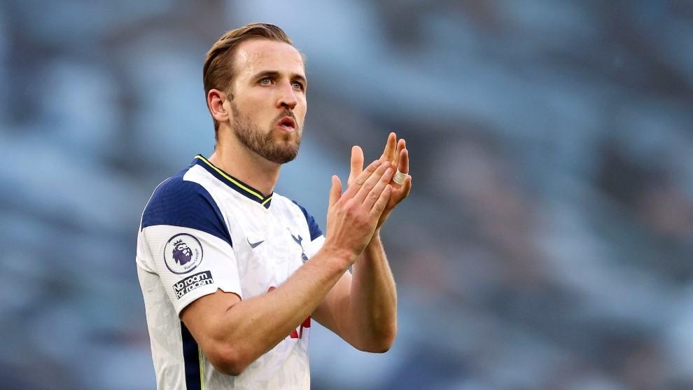 Harry Kane agradeciendo a la afición del Tottenham su apoyo.