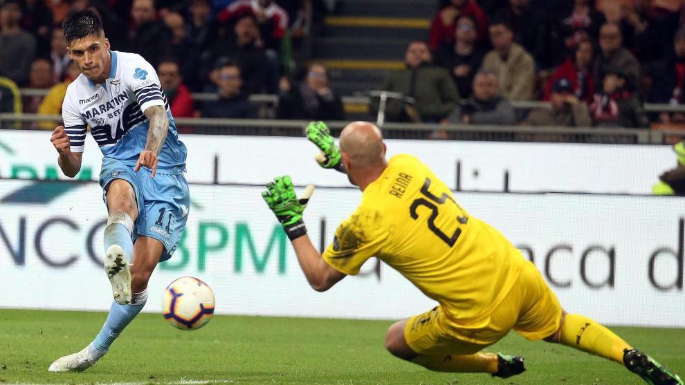 Thursday's  transfer market highlights: Premier League moves for Varane, Trippier and Kounde?