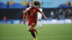 Claudia Pina celebra un gol con la selección española Sub'17.