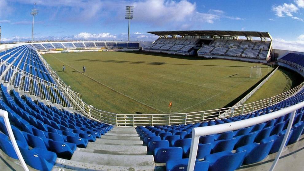 El estadio de Butaque vacío.