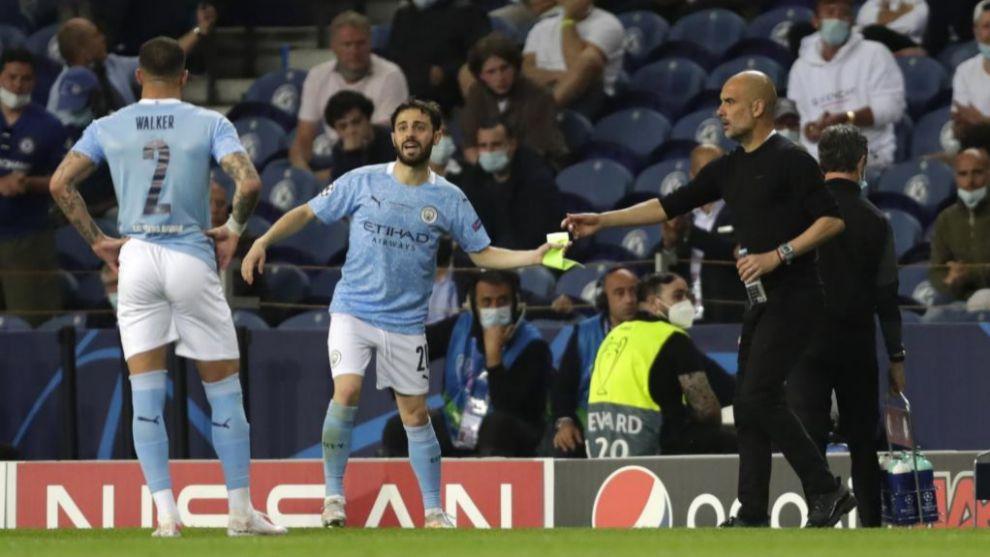 Bernardo Silva y Guardiola en un partido de esta temporada
