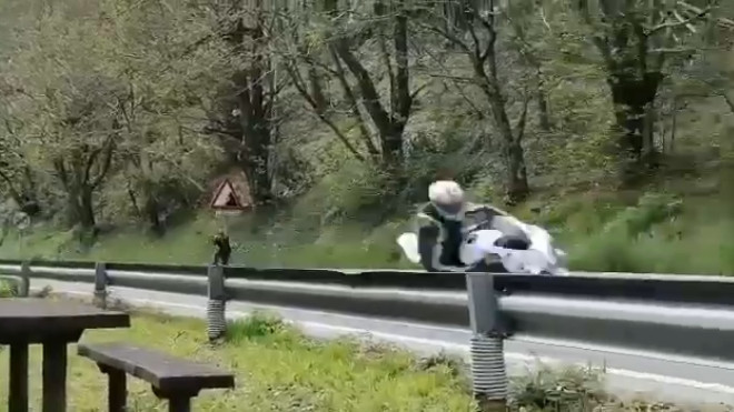 Imputado un motorista por conducción temeraria - AS-15 - Tineo