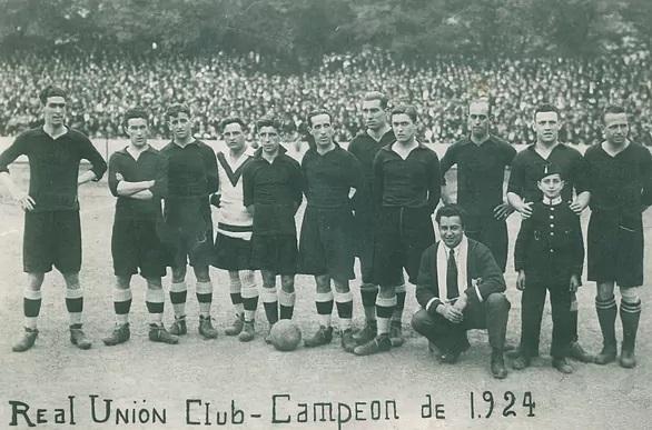El abuelo de Emery, el cuarto por la izquierda (portero), con el Real Unión en una foto de 1924.