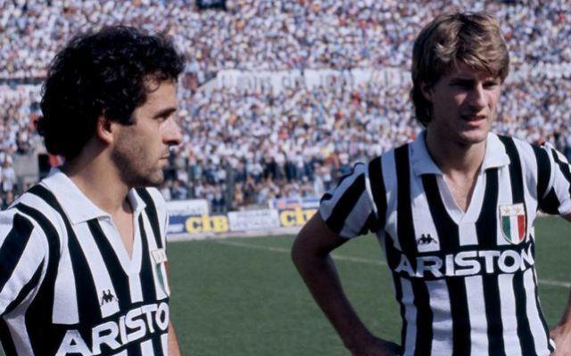Michael Platini (65) junto a Michael Laudrup (56) en su época en la Juventus.
