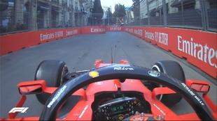 Carlos Sainz se salió de pista en la curva 8