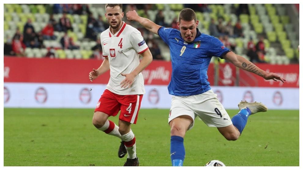 Belotti, en encuentro disputado entre Italia y Polonia.