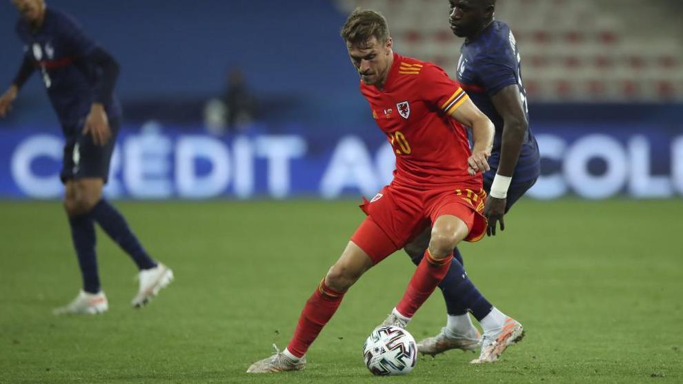 Aaron Ramsey, en el pasado partido que disputó Gales ante Francia