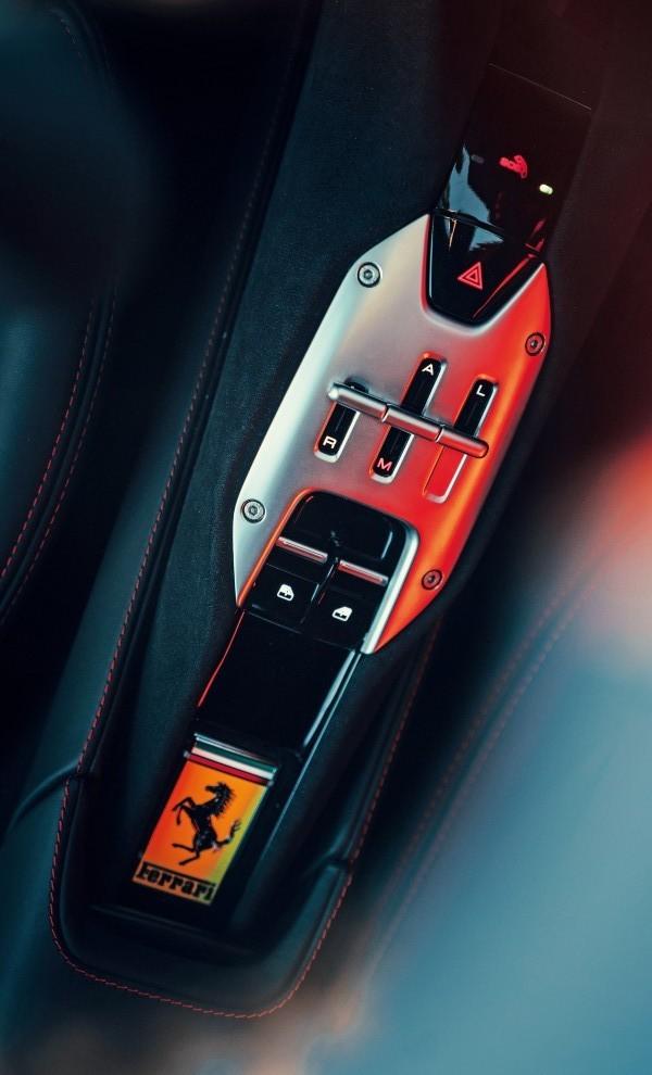 Ferrari SF90 Stradale - Ferrari - cambio manual - cambio de doble embrague